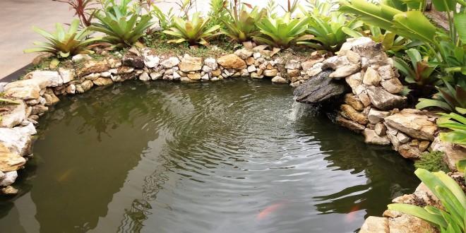 Revestimento de lona para lagos ornamentais